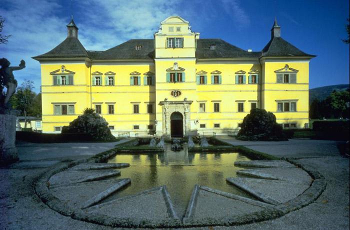 Unesco đã công nhận Trung tâm lịch sử của thành phố Salzburg của nước Áo là Di sản văn hóa thế giới năm 1996.