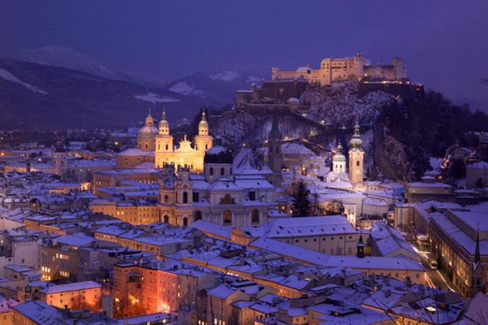 Toàn cảnh trung tâm lịch sử của thành phố Salzburg.