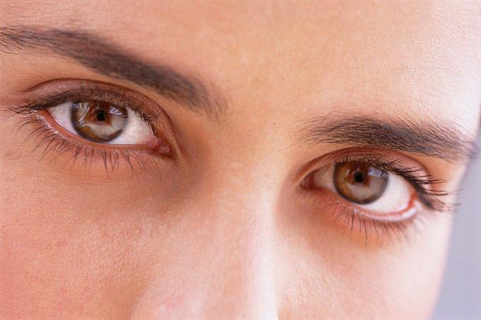 Tuyến tùng quả trong não bộ con người có cấu trúc của một con mắt.