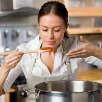 4 thói quen nấu ăn dễ gây ung thư
