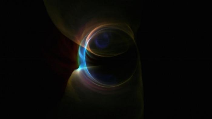 Bất cứ thứ gì đi qua chân trời sự kiện đều sẽ không thể thoát khỏi lực hút của lỗ đen được.