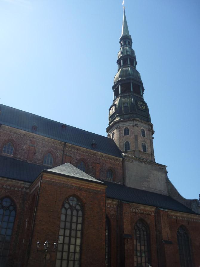 Nhà thờ thánh Phêrô được biết đến là nhà thờ cao nhất ở Riga.
