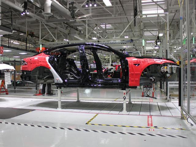 Hiện Tesla chỉ tập trung vào các mẫu xe điện cao cấp.