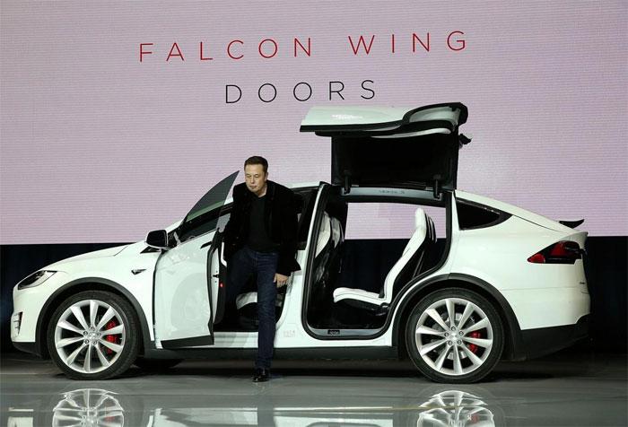 Trong tương lai, phương tiện giao thông phổ biến nhất là xe ô tô chạy điện.