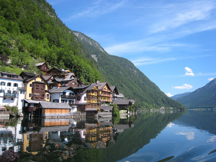 Hallstatt còn được gọi là Viên ngọc của nước Áo bởi cảnh quan thiên nhiên tuyệt đẹp nơi đây