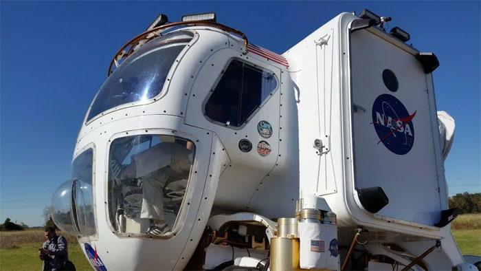 Xe này có thể chứa 2 phi hành gia và hoạt động trong vòng 14 ngày liên tiếp.