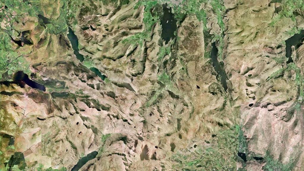 Hồ Lake District thuộc hạt Cumbria, Anh. Đây là nơi có quang cảnh tự nhiên nổi tiếng nhất nước Anh.