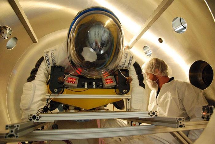 """World View cho rằng việc đưa con người lên đến """"rìa không gian"""" bằng khí cầu thực sự an toàn và đáng tin cậy."""