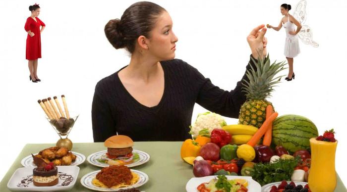 Trừ khi bạn có lượng cholesterol cao, hãy bỏ ngay thói quen chỉ ăn lòng trắng trứng đi.