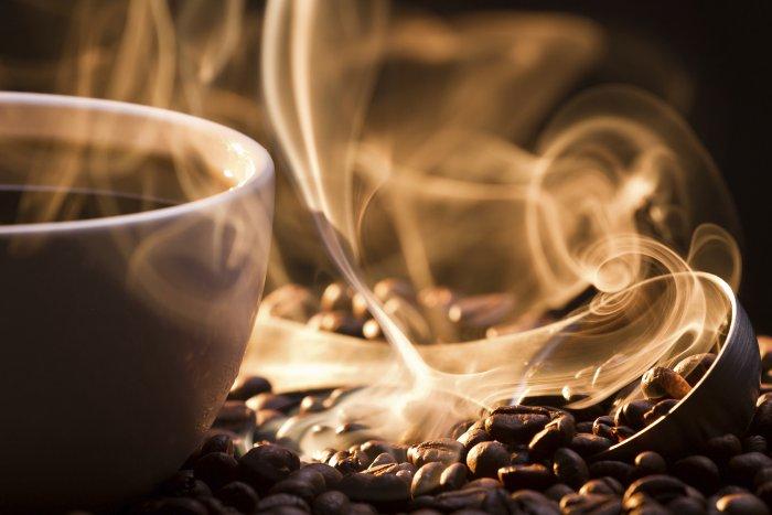 Cafe giúp tỉnh ngủ, còn thuốc ngủ gây buồn ngủ, nhưng trộn chung chúng lại thì sao?