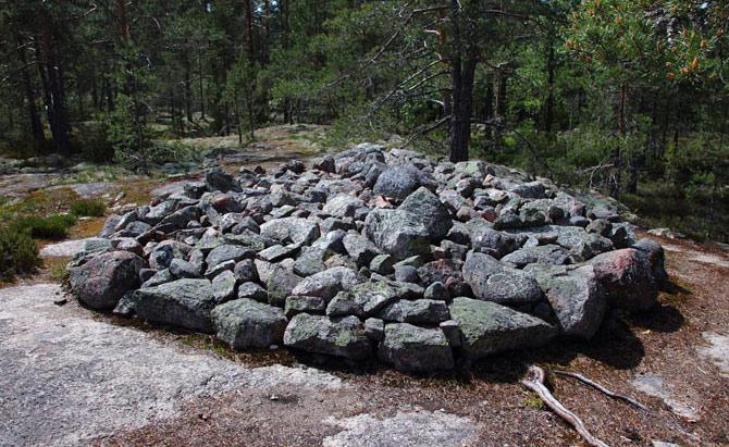 Phần lớn các ngôi mộ được xây dựng từ thời kỳ đồ đồng.