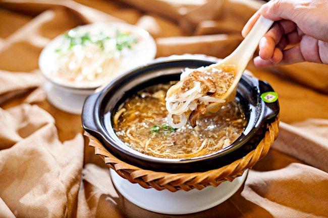 """Súp vi cá - món ăn không thể thiếu trong """"yến tiệc"""" của người Trung Quốc."""