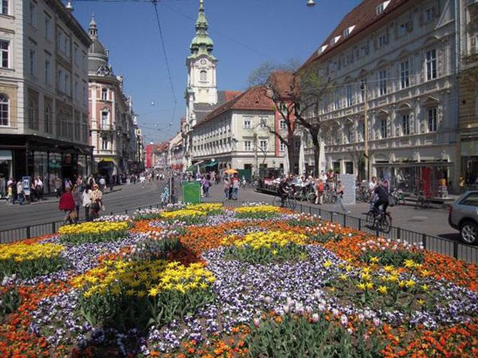 Thành phố Graz được coi là nơi giao thoa, tổng hợp của các luồng nghệ thuật