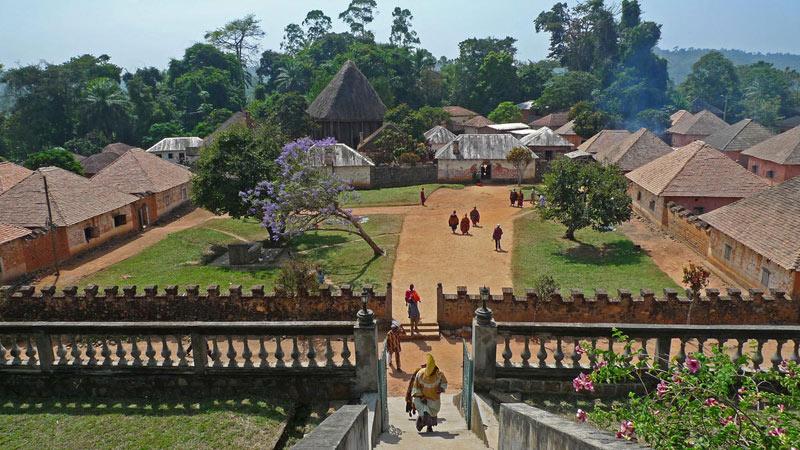 Thị trấn Bafut ở Tây Bắc Cameroon là một trong hai vùng còn lại ở Cameroon vẫn nằm dưới sự trị vì của vua, theo cấu trúc quyền lực truyền thống.