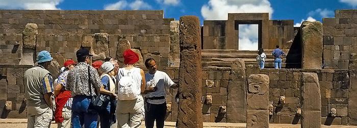 Unesco đã công nhận Tiwanaku, trung tâm chính trị và tinh thần trong văn hóa Tiwanaku của Bolivia là Di sản văn hóa thế giới năm 2000.