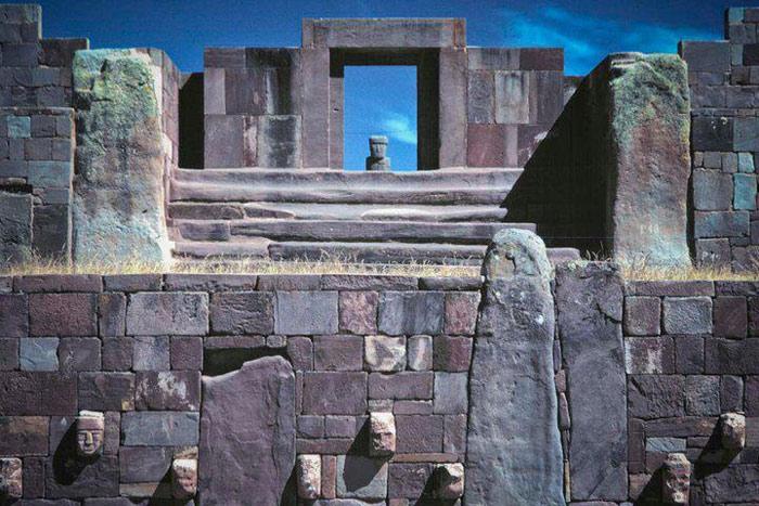 Thành phố này còn tồn tại trước cả thời gian xuất hiện hồ Titicaca.