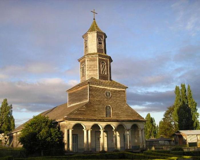 Các nhà thờ này còn khá nguyên vẹn kể từ khi chúng được xây dựng vào khoảng thế kỷ 17, 18 cho đến nay.