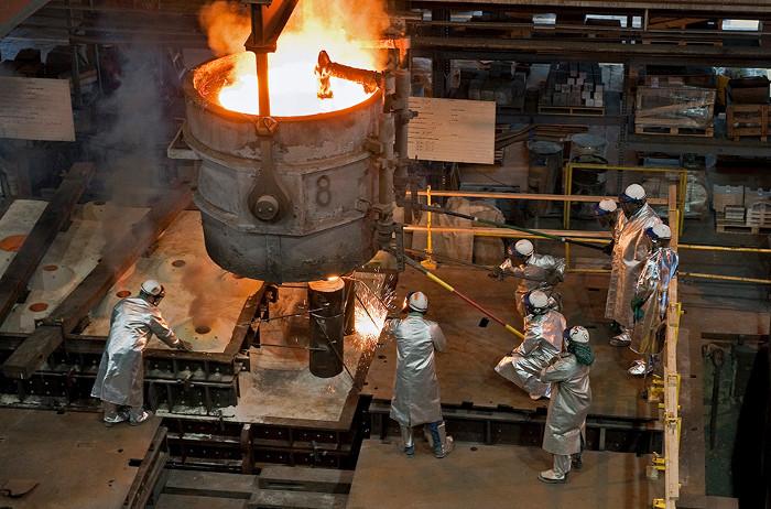 Newport News Shipbuilding vận hành một xưởng đúc thép riêng.