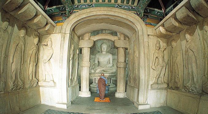 Gyeongju trở thành kinh đô của Hàn Quốc từ năm 57 trước Công nguyên sau khi triều đại Silla lên nắm quyền.