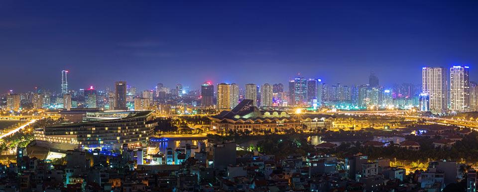 """""""Từ trung tâm hội nghị Quốc gia nhìn về thành phố phát triển"""" của tác giả Vũ Long."""