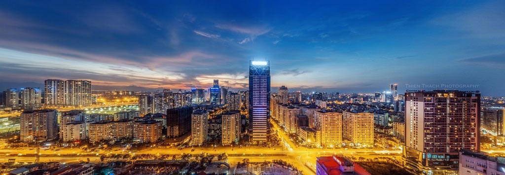 """""""Những tòa nhà cao tầng tại phía Tây thành phố"""" của Nguyễn Thái Thạch."""