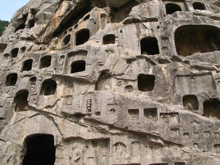 Unesco đã công nhận Hang đá Long Môn của Trung Quốc là Di sản văn hóa Thế giới năm 2000.