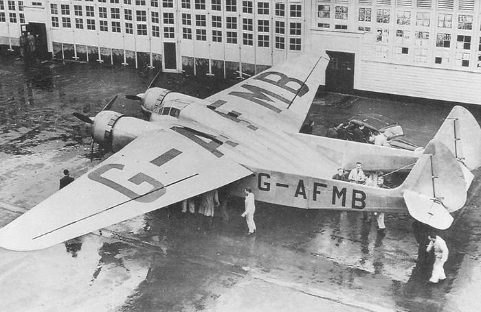 Một trong những nhà thiết kế máy bay đặt mục tiêu an toàn lên hàng đầu là Vincent Burnelli.