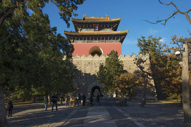 Không chỉ rộng lớn và quy mô, khu lăng tầm Hoàng gia nhà Minh và nhà Thanh tại Trung Quốc còn là những công trình có giá trị nghệ thuật cao