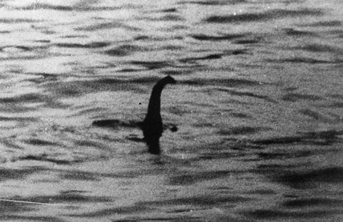 Hình ảnh được cho là quái vật hồ Loch Ness.