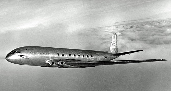Để nâng được độ cao bay thì cabin cần phải được tăng áp suất, thân máy bay cũng cần được thiết kế để giảm áp lực bên trong.