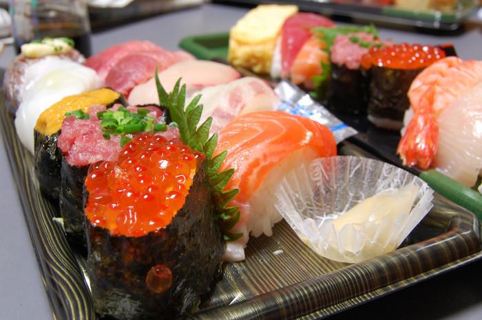Sushi chứa rất nhiều natri.