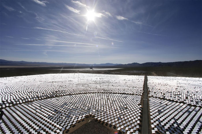 30 năm tới, các nguồn năng lượng hóa thạch sẽ dần cạn kiệt và năng lượng Mặt Trời sẽ lên ngôi.