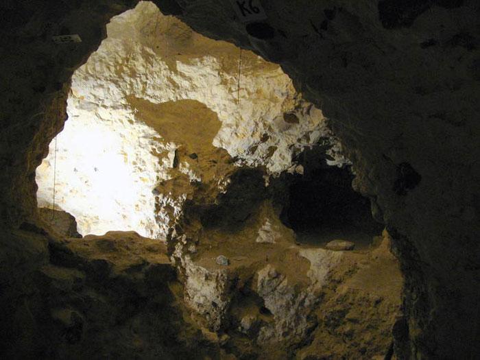 Nằm trong một khu vực rộng lớn tới hơn 100 ha, đây là mỏ đá được khai thác sớm nhất cũng là khu vực khai thác rộng lớn nhất tại Châu Âu.