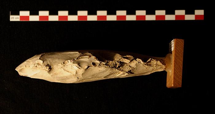 Những hiện vật này đã chứng thực cho bước tiến triển trong sự kết hợp giữa con người và công nghệ vào thời tiền sử. Cụ thể, các thợ mỏ đã biết khai thác đá bằng cách đào sâu xuống lòng đất và trụ hầm lò bằng trục đứng đặc biệt. Đá lửa khai thác sẽ được dùng để phục vụ công tác sản xuất đồ gốm cũng như các đồ dùng cho con người.