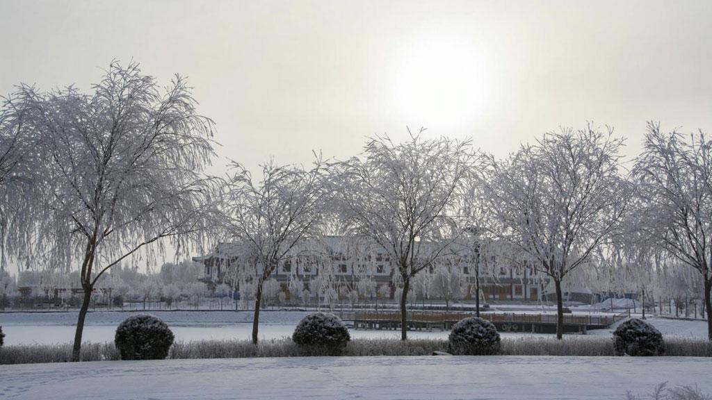 Tuyết phủ kín thành phố Ngọc Môn, tỉnh Cam Túc.