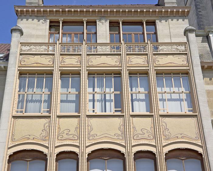 Hotel van Eatvelde nằm tại số 4 phố Anenue Palmerston, ngôi nhà này được xây dựng cho Tổng thư ký nước cộng hòa Congo, công trình này được xây dựng hoàn toàn bằng các vật liệu mới đó là thép và kính.