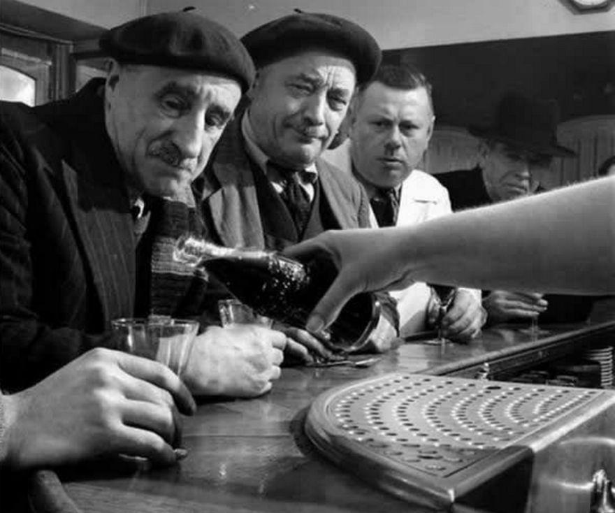 Người Pháp lần đầu tiên được thấy Coca-Cola