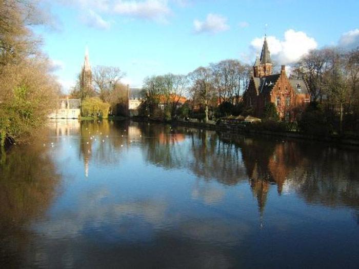 Hầu hết các công trình kiến trúc ở Brugge đều được xây dựng từ thời trung cổ,