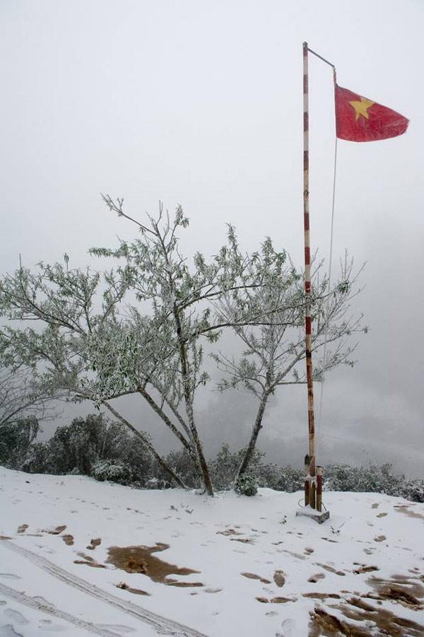 Ngày 25/1, nhiệt độ ở khu vực này có tăng lên nhưng tuyết vẫn còn.