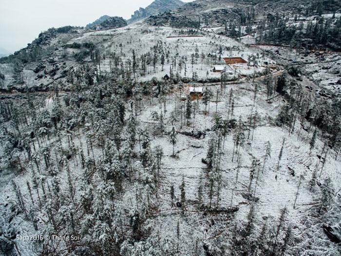 Khung cảnh Sa Pa trông giống như các nước châu Âu vào mùa tuyết rơi.