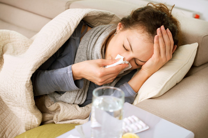 Thân hình quá gầy và thiếu mỡ sẽ khiến cơ thể bạn nhạy cảm hơn với cái lạnh.