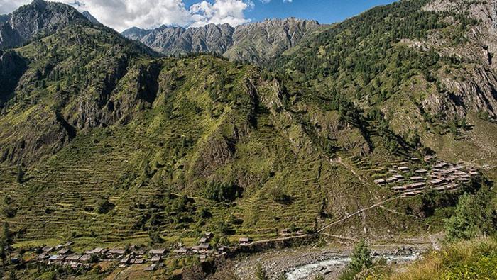 Đây là quang cảnh của ngôi làng Bara Bangal khi nhìn từ xa.