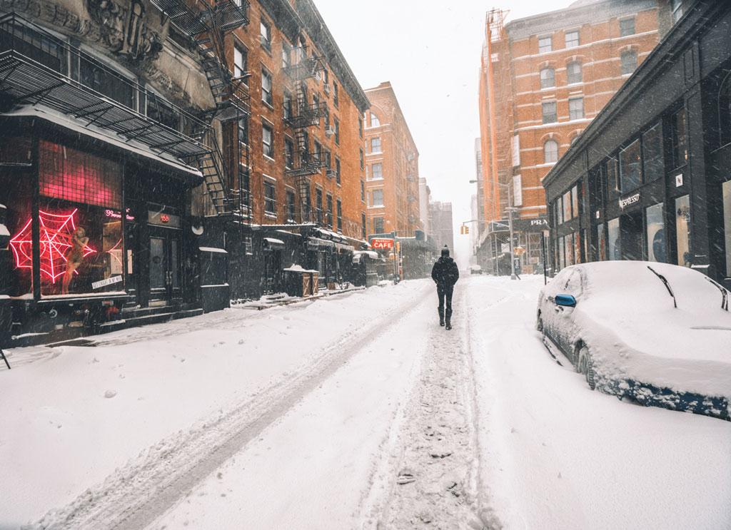 Nào ai nghĩ đây là một trận bão tuyết đáng sợ? Tất cả những gì người ta thấy chỉ là một New York trong trời đông mà thôi.