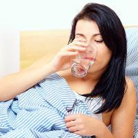 Uống bao nhiêu nước trước khi đi ngủ tốt cho cơ thể?
