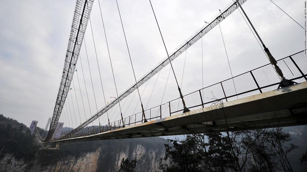 Khi hoàn tất, cây cầu có thể chịu được tải trọng của khoảng 800 người cùng một lúc.