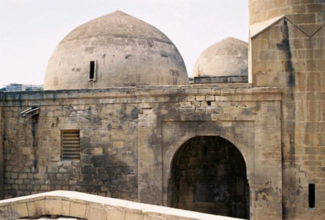 Thành cổ Baku có từ thời đồ đá cũ
