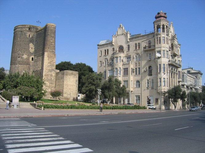 Bên trong thành cổ gồm nhiều kiến trúc khác nhau