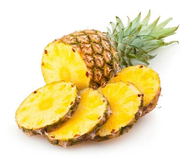 Dứa chứa một loại chất đặc biệt proteinase, có thể làm tăng tính thấm của niêm mạc dạ dày.