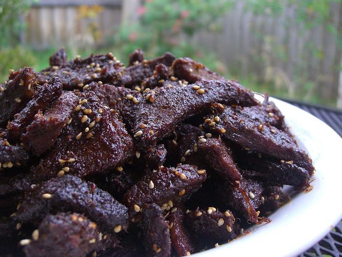 Thịt tươi thì không thể ăn được trên vũ trụ, nhưng thịt bò khô thì có thể.