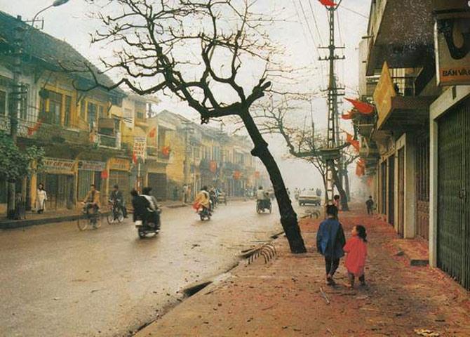 Đường phố Hà Nội những ngày Tết.